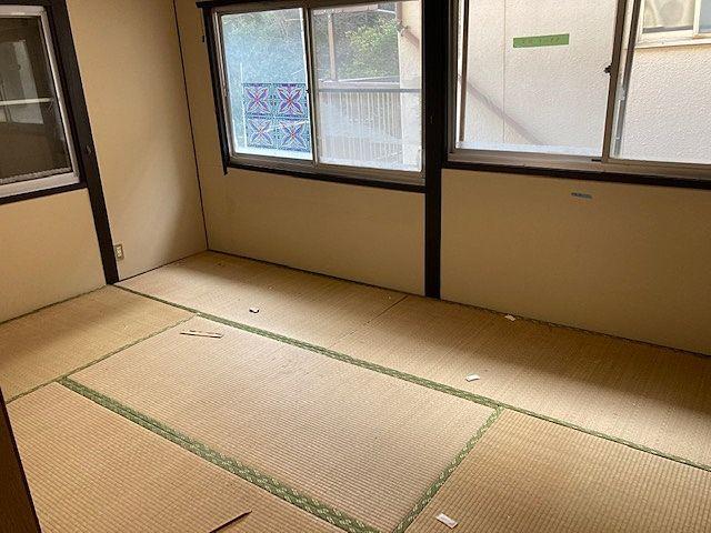 窓が多く室内が明るいです(^^)/