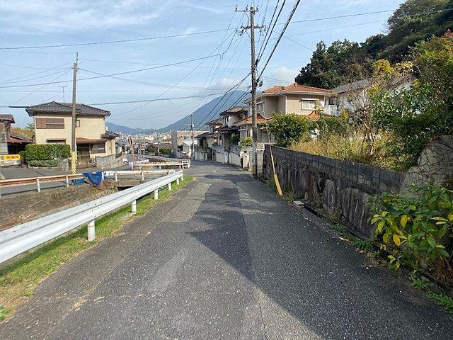 前面道路が広く車の出し入れがしやすいです(*^▽^*)