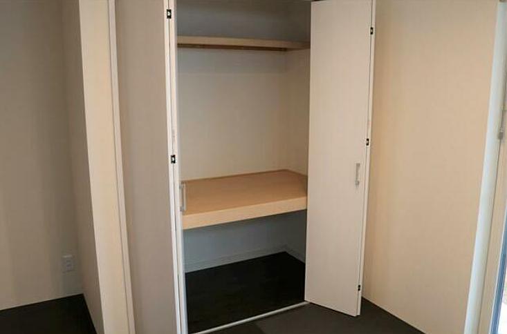 収納もあります。お客様を迎える部屋としても利用できます。