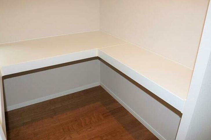 洋室にはウォークインクローゼットもついています。