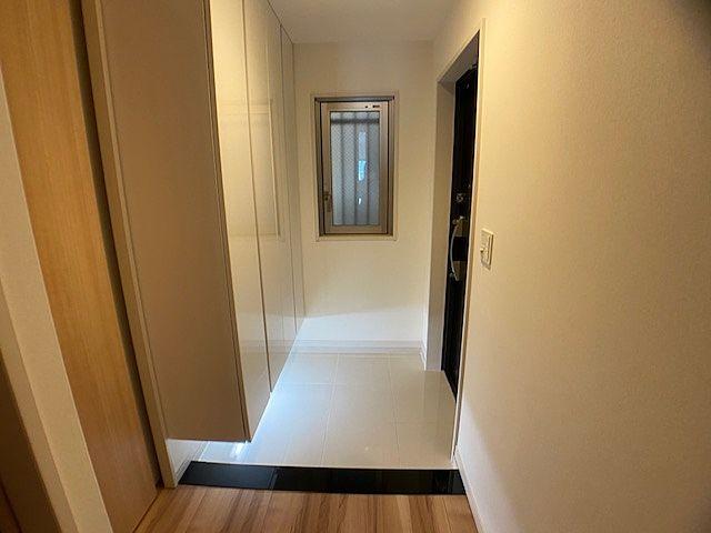 広い玄関。おしゃれです。