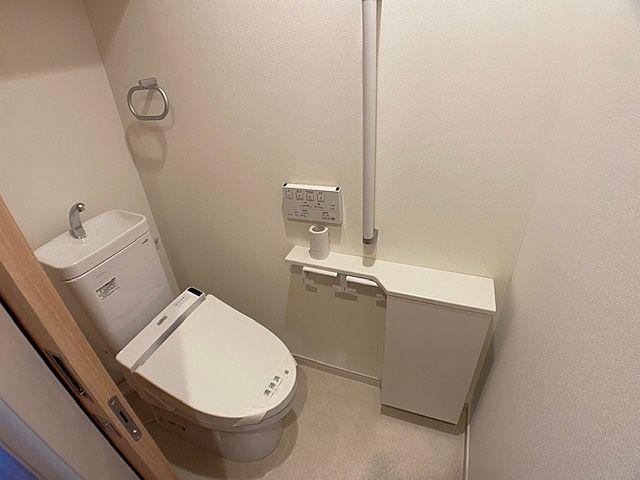 ウォシュレット付きのトイレです(*^▽^*)