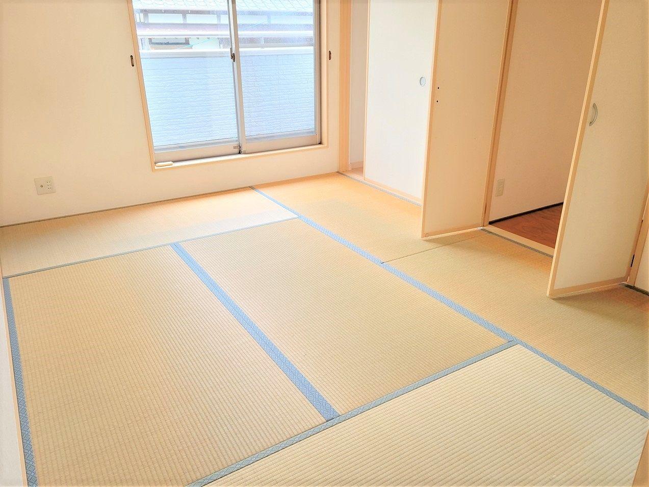 2階の和室です。6帖の広さがあります。畳もキレイです。