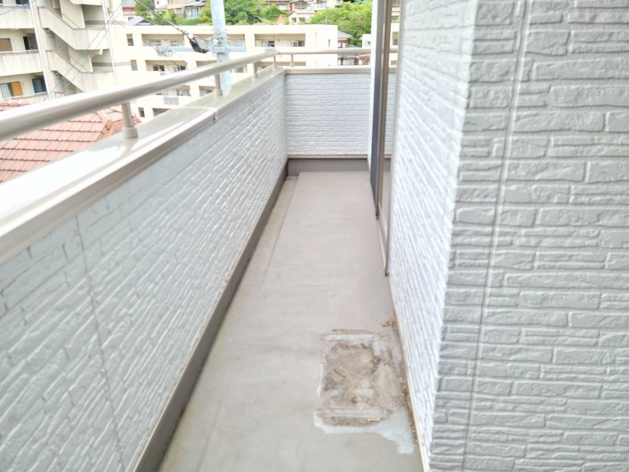2階のバルコニーです。洗濯物が干せます。陽当たりも良好です。