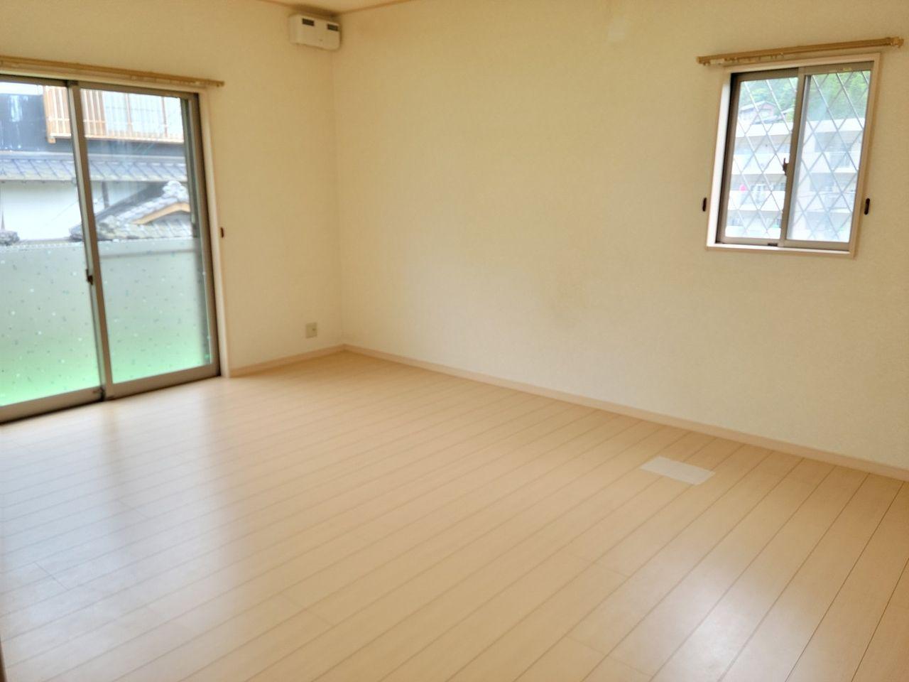 1階の洋室です。広く部屋を取っています。