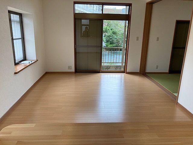 リビング横の和室は繋げたり区切ったり用途に合わせて利用できます‼