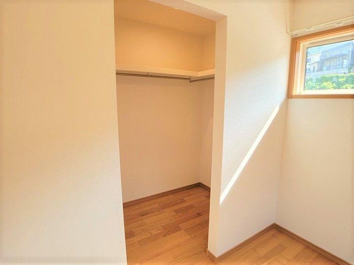 大容量の収納があるので室内を広く活用できます。