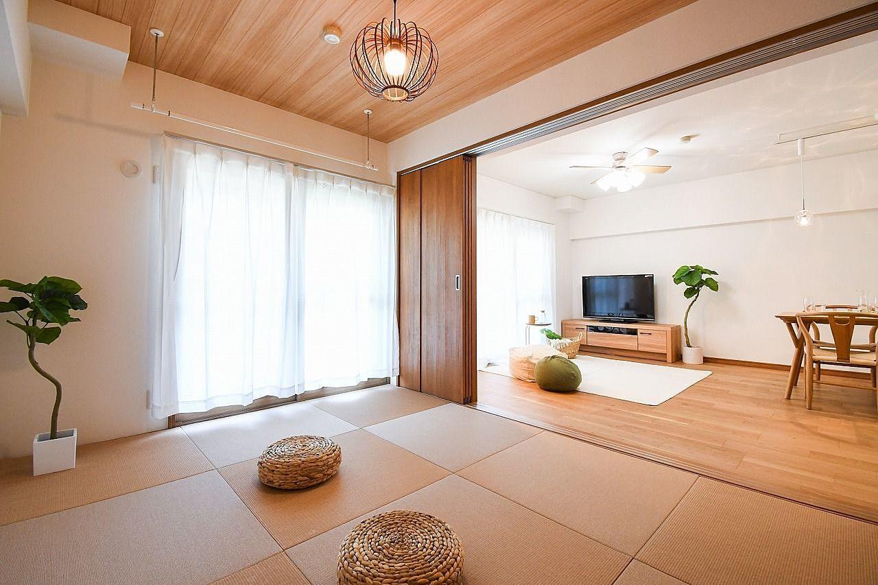 リビング隣りの和室は繋げたり区切ったり用途に合わせて利用できます。